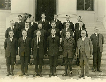 1922-officers-first-photo-sm-img251.jpg