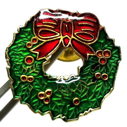 Designer by provenance, tie tack/pin, Christmas wreath motif, multi color, 1 in.