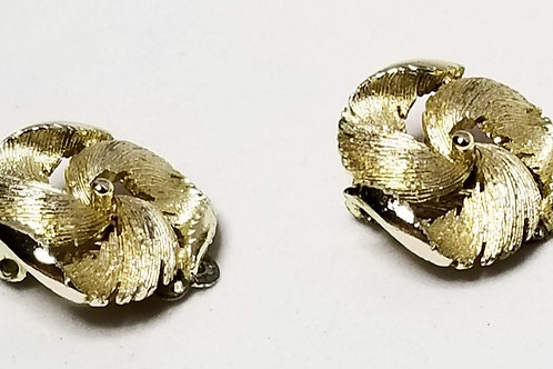 Designer by Lisner, earrings, clip on gold tone cluster.