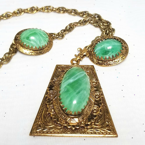 Designer by provenance, set, necklace and earrings, marbled green in gold tone