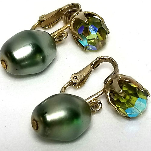Designer by Richelieu, earrings, clip on drops, green stones and faux pearls.