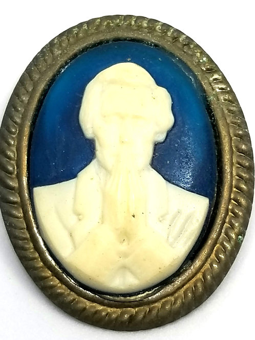 Designer by provenance, brooch, cameo, Lincoln motif, blue and cream.