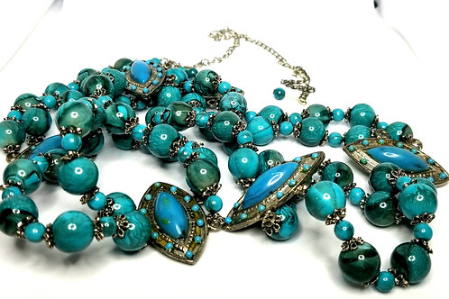 Designer by provenance, belt, turquoise color cabochons and beads, 32 in plus.