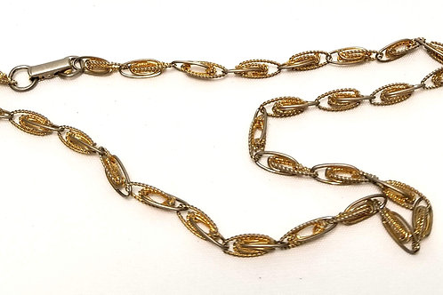 Designer by Sarah Cov, necklace, 15 inch gold tone links necklace.