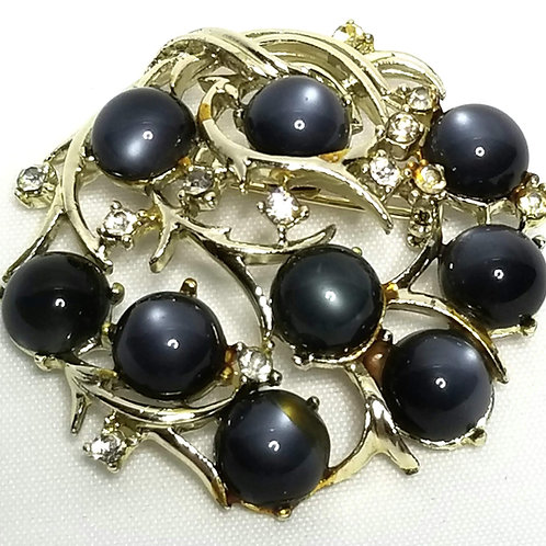 Designer by Coro, brooch, wreath motif, gray glass stones with clear rhinestones