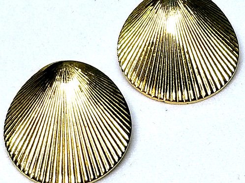 Designer by Monet, earrings, pierced shells motif, gold tone, 3/4 inch