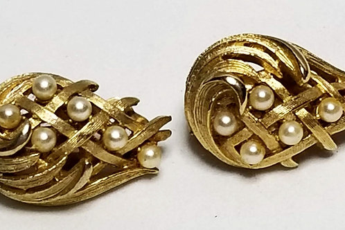Designer by Lisner, earrings, clip on, pearls in gold tone cluster motif.