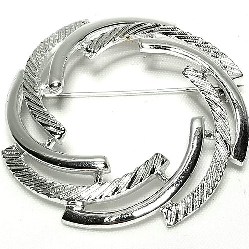 Designer By Sarah Cov, brooch, wreath motif, silver tone, 1 3/4 inches.