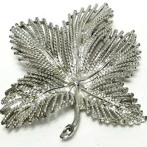 Designer By Sarah Cov, brooch, leaf motif, silver tone, 2 1/8 x 2 7/8.