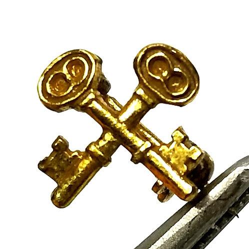 Designer by provenance, crossing skeleton keys motif, gold tone, 3/8 inch.
