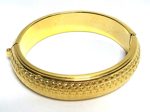 Designer by Trifari, bracelet, bangle, basket weave pattern, gold tone.