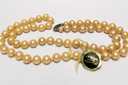 Designer by Prestige, necklace, pearl strand, hand knotted peach pearls