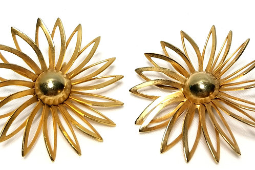 Designer by Sarah Cov, earrings, clip on flower motif in gold tone.