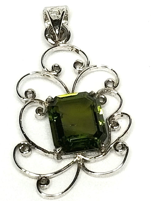 Designer by provenance, pendant, green faceted stone, Sterling silver, 1/2 x 7/8