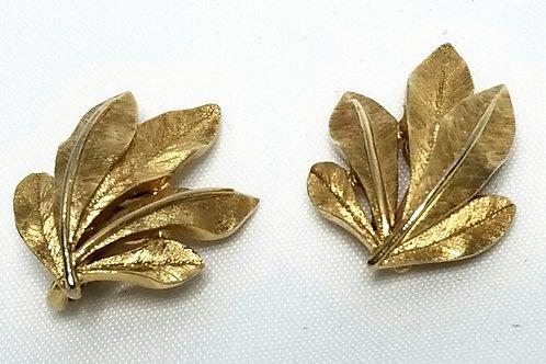 Designer by Crown Trifari, earrings, clip on leaf motif, gold tone pot metal.