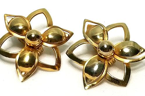 Designer by Sarah Cov, earrings, clip on, flower motif in gold tone.