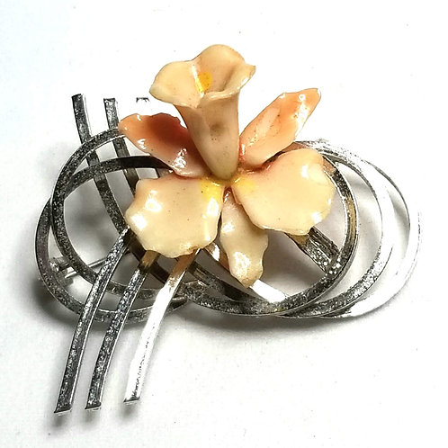 Designer by provenance, brooch, flower motif, peach color in silver tone.