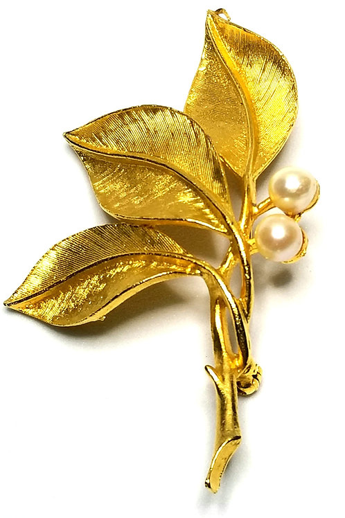 Designer by Capri, brooch, leaves motif, white faux pearls, gold tone.