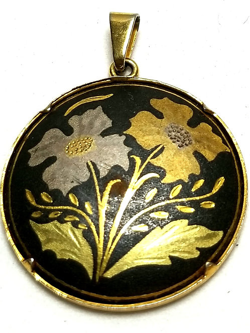 Designer by provenance, pendant, flowers motif, black and gold tone, 1 inch.