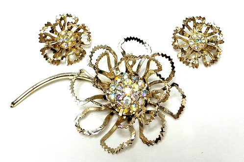 Designer By Sarah Cov, set, brooch and earrings, clip on, floral motif.