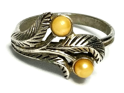 Designer by Emmons, ring, champagne color faux pearls, silver tone, adjustable.