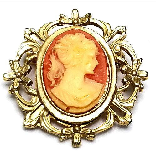 Designer by provenance, brooch, Cameo motif, pink and cream, 1 1/8 inches.