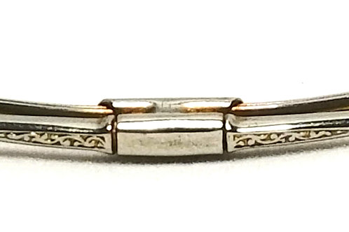 Designer by provenance, collar clip, silver tone, 1 3/4 inches.