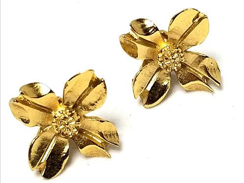 Designer by Napier, earrings, clip on flower motif, gold tone pot metal, 5/8 in.
