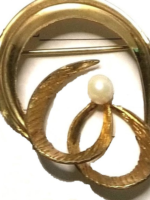 Designer by Tk, brooch, white faux pearl, 12K gold filled.