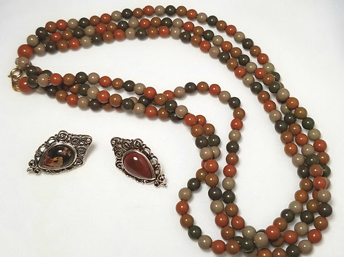 Designer by provenance, set, brown colors necklace and stud earrings