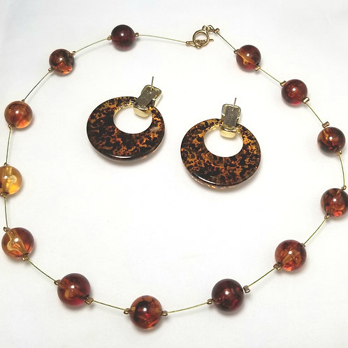 Designer by provenance, set, necklace and earrings, brown marbled