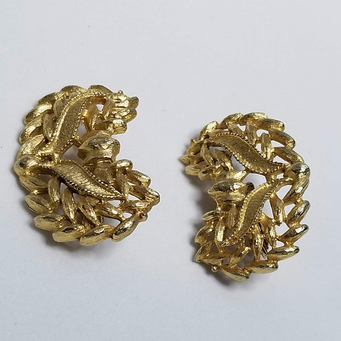 Designer by Emmons, earrings, clip on, gold tone.