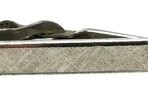 Designer by Swank, tie clip, black stone in silver tone, 1 1/4 inch.