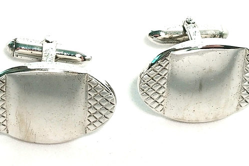 Designer by Swank, cuff links, oval silver tone, 3/4 x 1 inch.