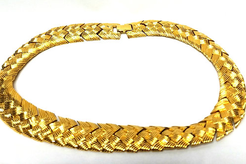 Designer by Napier, necklace, woven motif, choker, gold tone 17 inches.