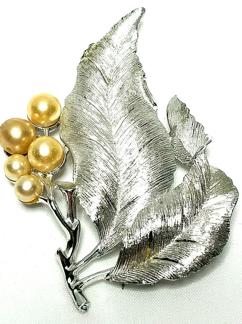 Designer by Sarah Cov, brooch, leaves motif, gold faux pearls in silver tone.