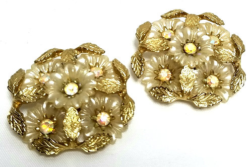 Designer by Coro, earrings, floral motif white flowers in gold tone, 1 1/2 inch