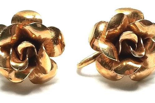 Designer by Krementz, earrings, screw back, flower motif, gold tone, 1/2 inch.