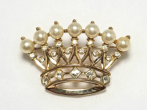 Crown Trifari, crown with white pearls and crystals gold tone brooch, 1 1/2 inch