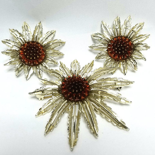 Designer by Sarah Cov, set, brooch and earrings, clip on flower motif, gold tone