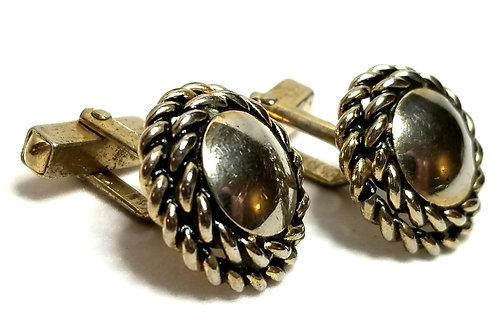 Designer by Swank, cuff links, braided wreath motif in gold tone, 3/4 inch.