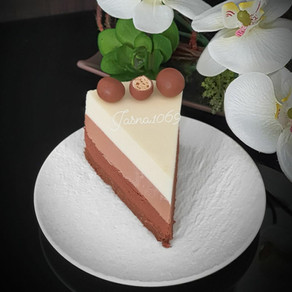 Mousse torta od tri boje cokolade