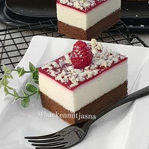 Ledene kocke sa bijelom cokoladom i vocnim preljevom