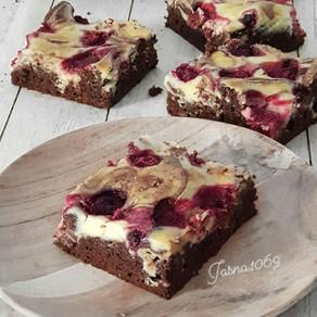 Cheesecake-Brownie sa malinama