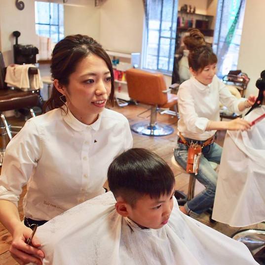 HairroomDOOR_kidscut22.jpg