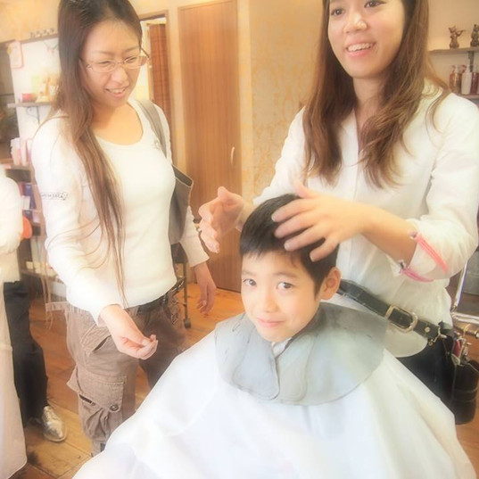 HairroomDOOR_kidscut17.jpg