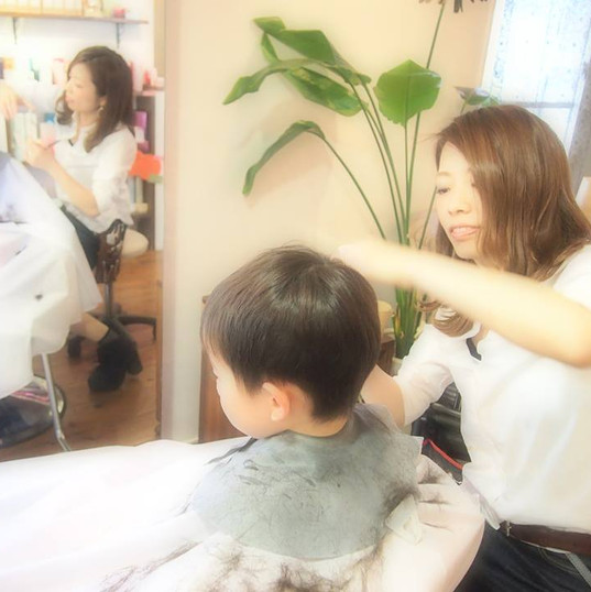 HairroomDOOR_kidscut1.jpg