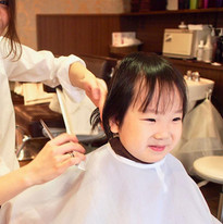 HairroomDOOR_kidscut21.jpg