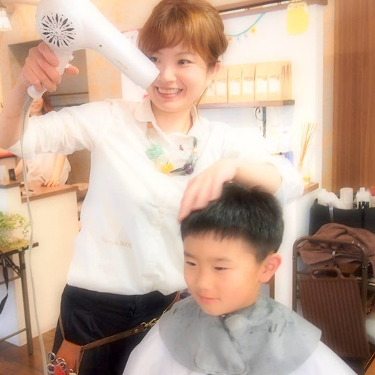HairroomDOOR_kidscut19.jpg