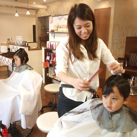 HairroomDOOR_kidscut9.jpg